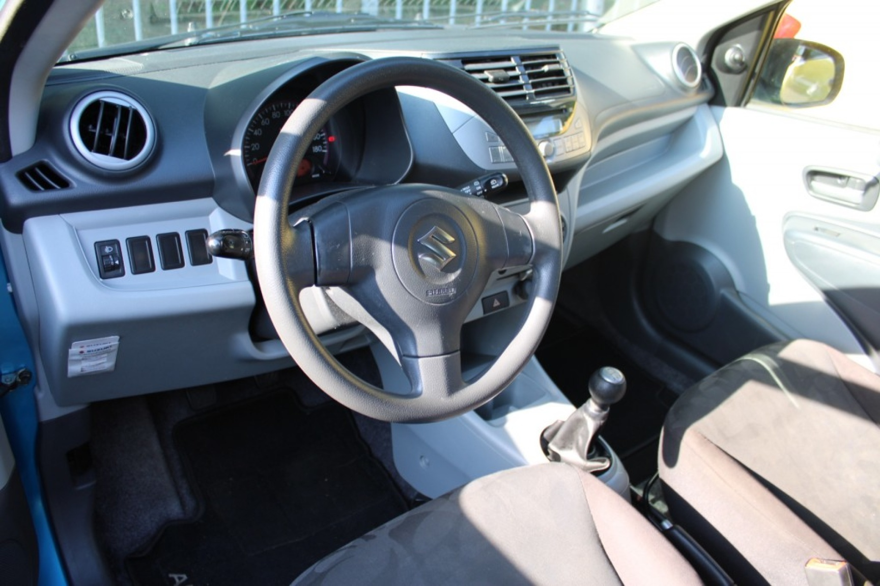 Suzuki-Alto-19